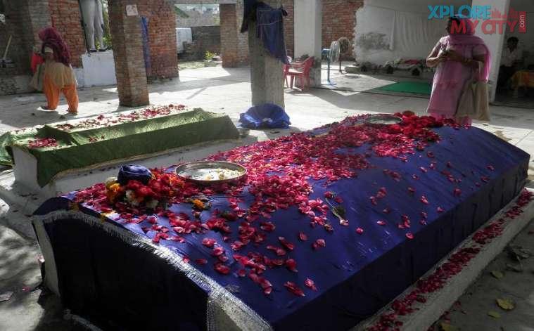 Baba Meer Mukand Sainipura